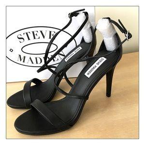 Steve Madden Black Strappy Heel/Sandals